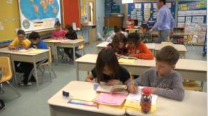 Image des élèves en classe.